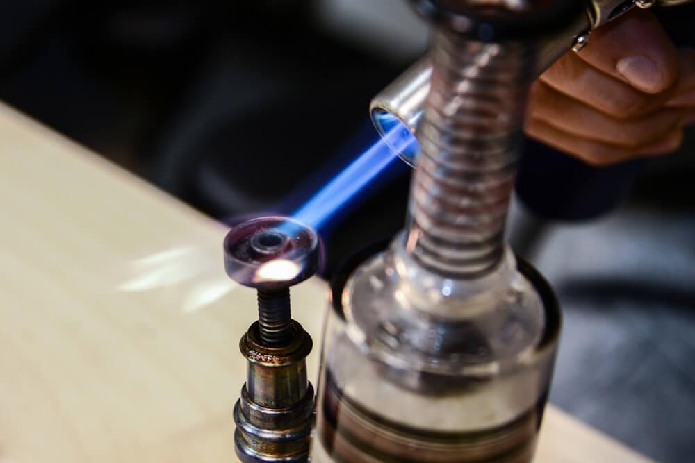 dabbing-marijuana-nail-torch