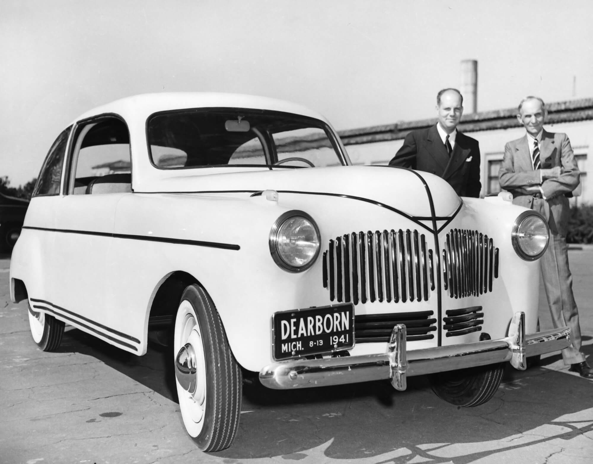 Henry Ford Invented a Hemp Car that ran on Hemp Fuel 76 Years Ago
