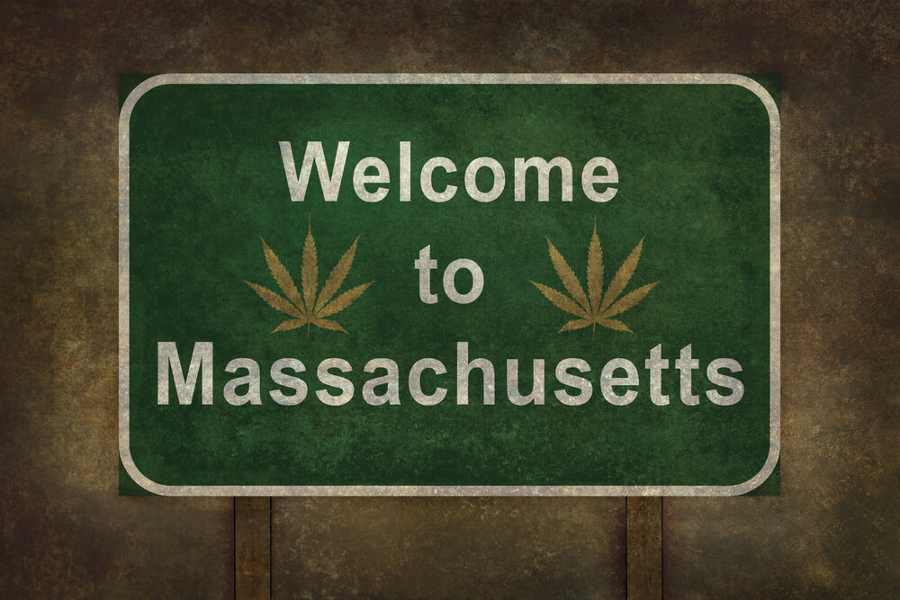 Massachusetts: Weed Consumers Spend $2'200'000 In First Five Days Of Sales