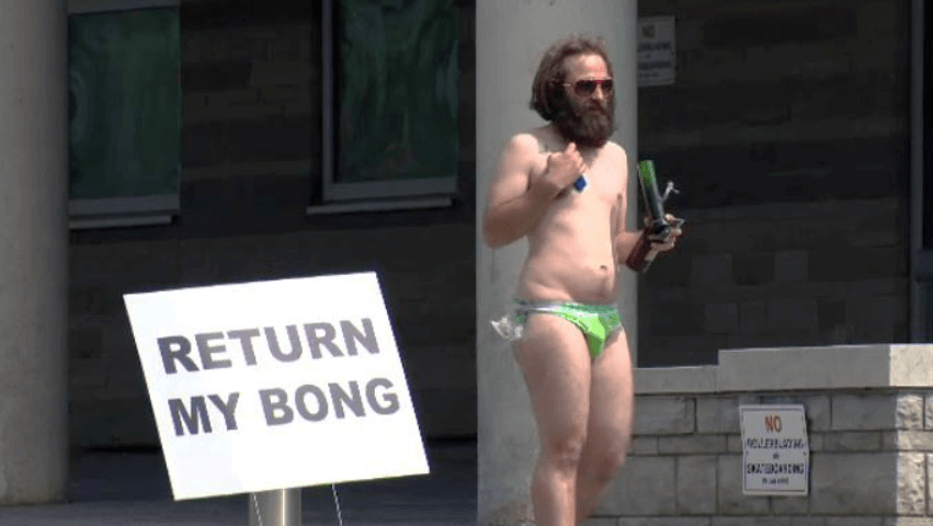 """""""Return My Bong"""" Protester Suing Police For $3 Million"""