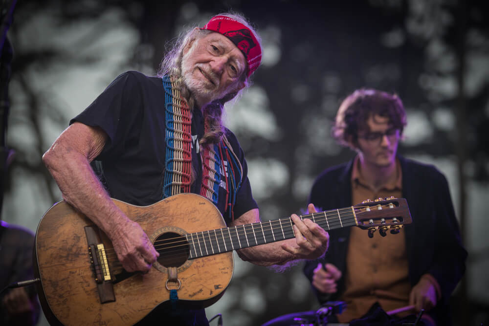 Willie Nelson: I had to quit smoking weed due to breathing issues